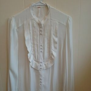 FREE PEOPLE ANTHROPOLOGIE RUFFLE BUTTON FRONT TOP